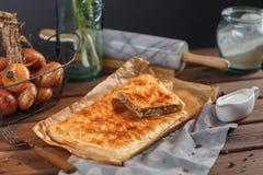 Uma torta de carne quadrada Fotos de Stock Royalty Free