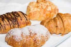 Uma variedade de croissant fecham-se acima Fotografia de Stock Royalty Free