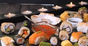Uma variedade do alimento japonês: sushi, nigiri, sashimi Imagens de Stock