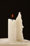 Uma vela do burnig Fotografia de Stock