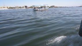 Uma viagem do barco pelo Nilo do rio, Egito filme