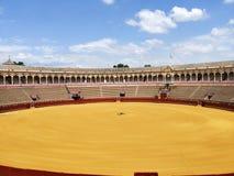 Uma visita a Plaza de Toros na Espanha de Sevilha imagem de stock