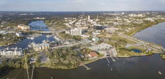 Uma vista aérea de Melbourne do centro, Florida imagens de stock