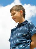Uma vista abaixo de adolescente Fotografia de Stock Royalty Free