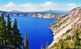 Uma vista agradável do lago crater Foto de Stock