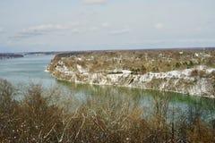 Uma vista agradável do Rio Niágara do lado canadense imagens de stock royalty free