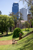 Uma vista ao centro de cidade da casa e do Perth do governo do landsc Fotografia de Stock