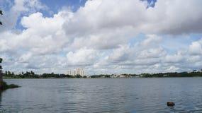 Uma vista bonita ao lago foto de stock royalty free
