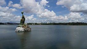 Uma vista bonita ao lago imagem de stock