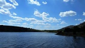 Uma vista bonita do lago elmer Thomas imagem de stock