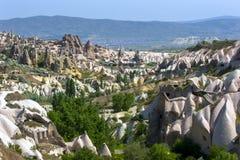 Uma vista bonita do vale do pombo junto a Uchisar na região de Cappadocia de Turquia Fotografia de Stock