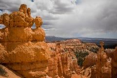 Uma vista bonita em Bryce Canyons fotografia de stock