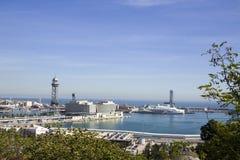 Uma vista de cima do porto marítimo de Barcelona Imagens de Stock