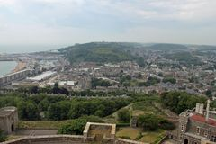 Uma vista de Dôvar do castelo imagens de stock