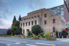 Uma vista de Everett, Washington City Hall imagens de stock royalty free