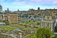 Uma vista de Roman Forum fotos de stock royalty free