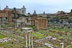 Uma vista de Roman Forum foto de stock royalty free