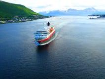 Uma vista de um navio de flutuação Tromso noruega Fotografia de Stock