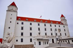 Uma vista do castelo de Bratislava, Bratislava, Eslováquia fotografia de stock royalty free