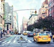 Uma vista do distrito histórico da milha do ` das senhoras da avenida do ` s de Manhattan, New York City, Estados Unidos imagens de stock