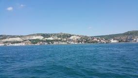 Uma vista do mar Imagens de Stock