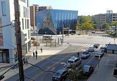 Uma vista do museu de arte contemporânea no distrito do círculo da universidade de Cleveland, Ohio, EUA fotos de stock royalty free