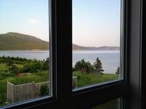 Uma vista espetacular da baía de Bonne fora do ponto de Norris no amanhecer de Gros fotos de stock