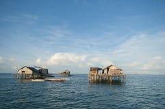 Uma vista geral da casa em stilts de madeira Fotografia de Stock