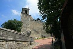 Uma vista na rua de San Marino Imagens de Stock Royalty Free