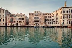 Uma vista nas ruas e na água de Veneza Foto de Stock