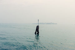 Uma vista nas ruas e na água de Veneza imagens de stock royalty free