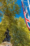 Uma vista típica na alameda em Londres imagem de stock royalty free