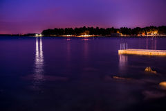 Umag par nuit, Croatie Photo stock