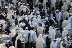 Uman, de Oekraïne - 14 September 2015: Elk jaar, duizenden Orthodoxe Hasidic Joden van Bratslav Stock Foto's
