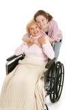 Umarmung für Großmutter stockbild