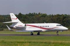 UMBAU Luftfahrt Dassault-Falke 2000 G-FBJL lizenzfreies stockfoto
