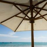 Umbrella and ocean. Relaxing view at the ocean under an umbrella Royalty Free Stock Photos