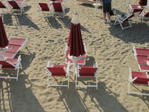 Umbrellas and beach chairs Royalty Free Stock Photos