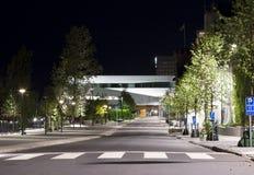 UmeÃ¥ céntrico, Suecia en la noche Fotos de archivo