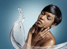 Umedecimento da pele imagens de stock royalty free