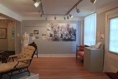Umfangreiche Ausstellung, die den Anfang der Krankheit und der Medizin, Ziegelstein-Speicher-Museum, Maine, 2016 umfasst Stockbilder