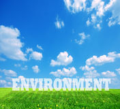 Umgebungsuntertitel auf grünem Land Stockfotografie