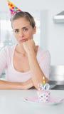 Umgekippte Frau auf ihrem 30. Geburtstag Lizenzfreies Stockbild