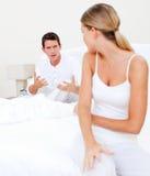 Umgekippte Paare, die ein Argument haben Lizenzfreies Stockfoto