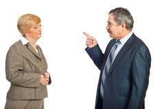 Umgekippter Manager beschuldigen Angestellten Lizenzfreies Stockfoto