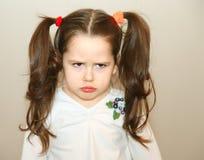 Umgekipptes kleines Mädchen Lizenzfreies Stockfoto