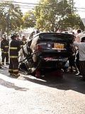 Umgeworfenes Auto Stockbild