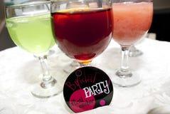 Umhüllung-Getränke an einer Brautdusche Lizenzfreie Stockbilder
