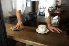 Umhüllungs-Service-Personal-Kundendienst-Café-Konzept stockfotos
