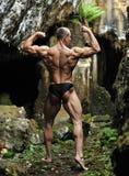 Umięśnionej samiec wzorcowy pozować outdoors Zdjęcie Royalty Free